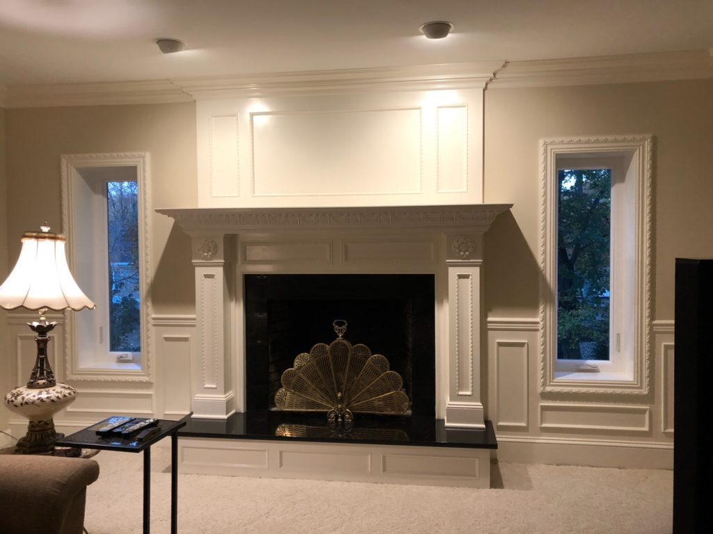 Elegant moulding with beautiful mantle